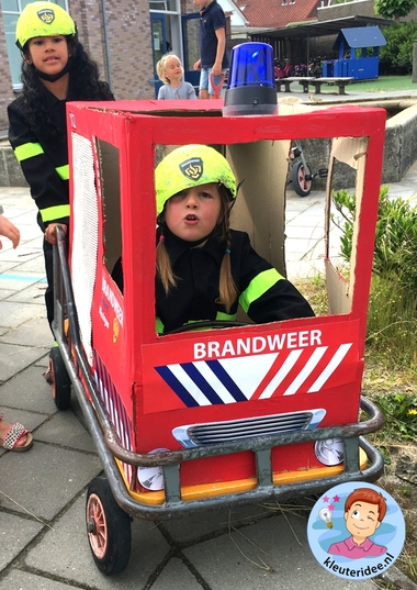 buitenspel, thema brandweer, kleuteridee, kindergarten fire fighters theme outdoor play