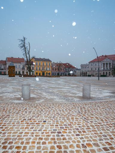 Snow falling in Kielce's town square