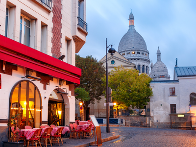 ThPlace du Tertre with the Sacre-Coeur in the distance