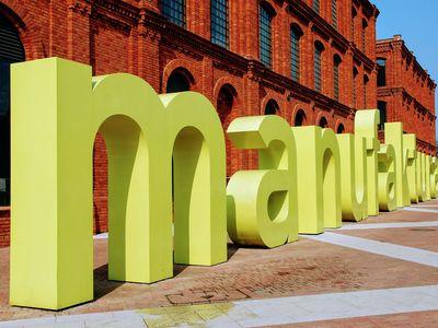 Giant Manufaktura sign in Lodz