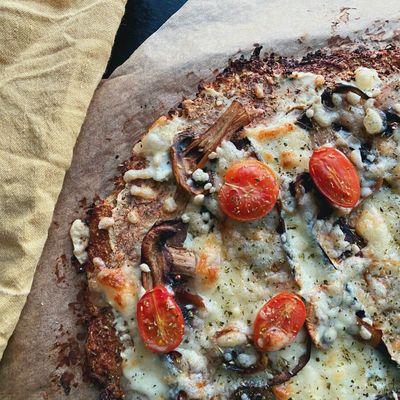 Blomkålspizza med aubergine
