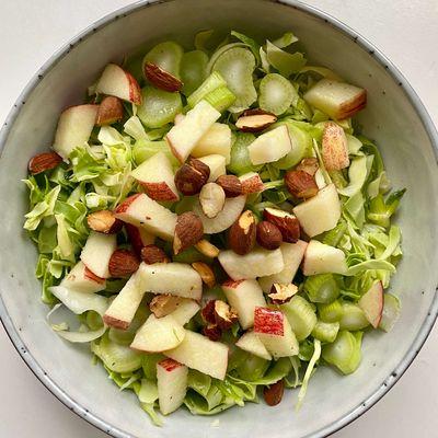 Super lækker fennikelsalat som også er nem at lave.