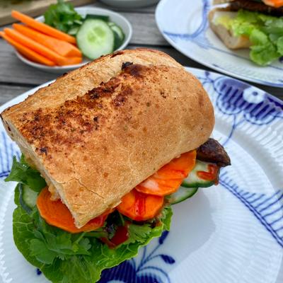 Bánh Mì med portobellosvampe