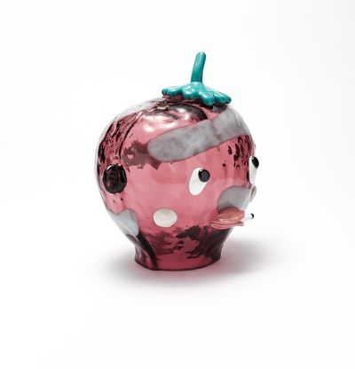 Glass head with hat and cigarette, Lill-Lorda (Pink) by Joakim Ojanen