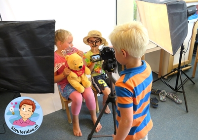 Themahoek en rollenspel thema 'de fotograaf', kleuteridee.nl, kindergarten photographer roleplay area, photographer theme