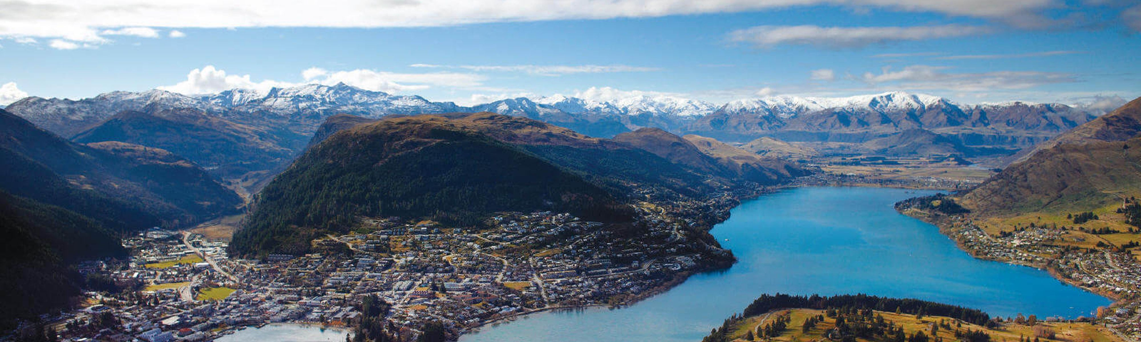 skyline of city of queenstown new zealand