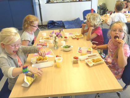 Ideeën voor de schooltuin voor kleuters week 13, kleuteridee.nl ,friet van eigen aardappeloogst 2