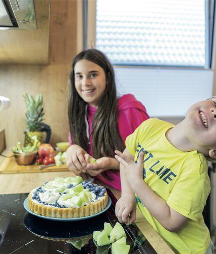 Kinder in der P.MAX Küche.