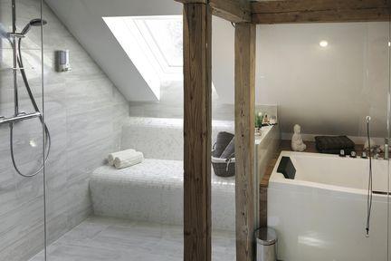 Badeoase im Dachgeschoss.
