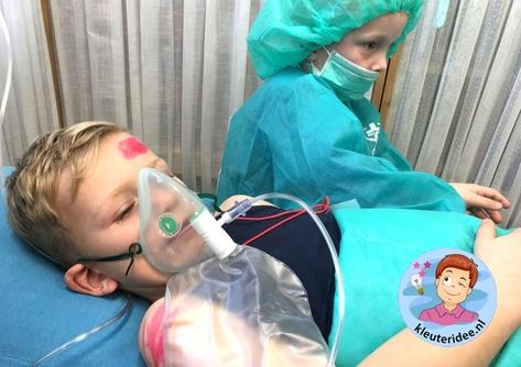 Operatiekamer rollenspel ziekenhuis kleuters, kleuteridee 3