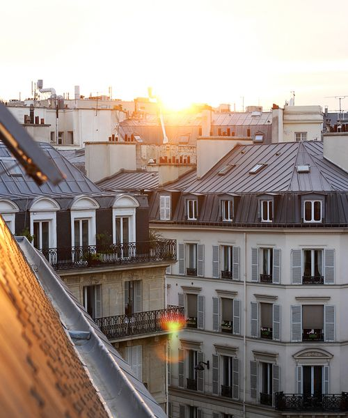 Dawn breaking over the city of Paris
