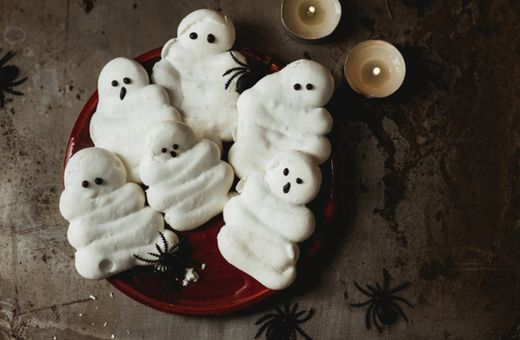 Frighteningly Easy Finger Foods To Make This Halloween
