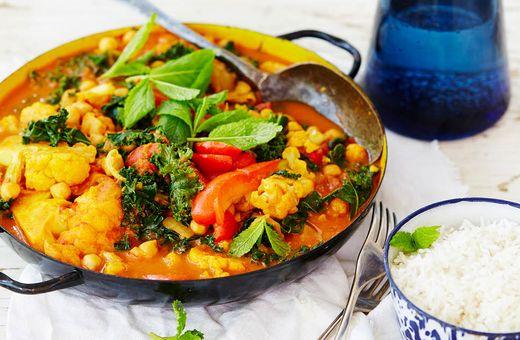 Cauliflower, Capsicum & Chickpea Curry
