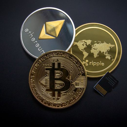 Cryptocurrencies: an overview of the risks and the regulations