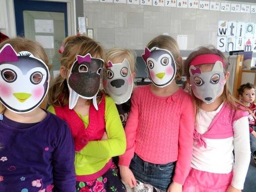 Maskers van pooldieren maken, kleuteridee.nl , thema Noordpool en Zuidpool voor kleuters