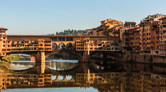 ponte vecchio bridge over arno river in florence italy