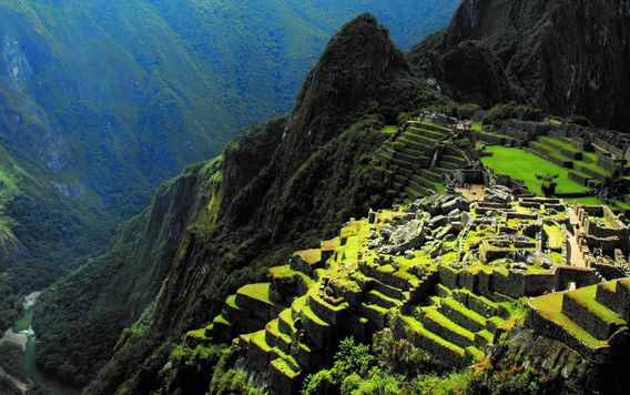 machu picchu in peru on a cloudy day