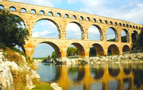 pont du guard aqueduct bridge in france
