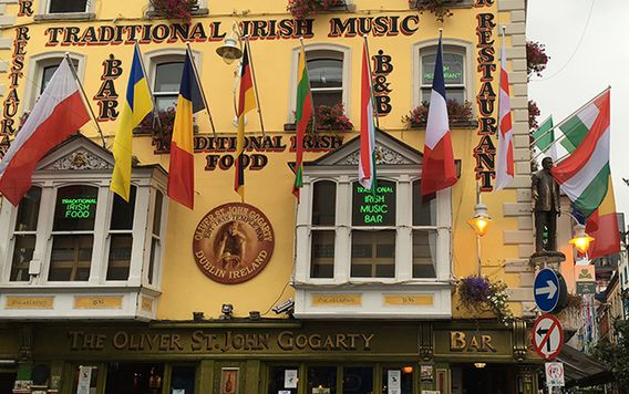 temple bar in dublin ireland