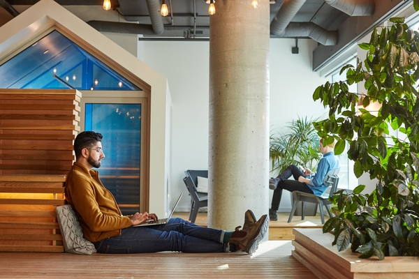a-quiet-spot-for-independent-work-at-shopify-s-headquarters-in-ottawa