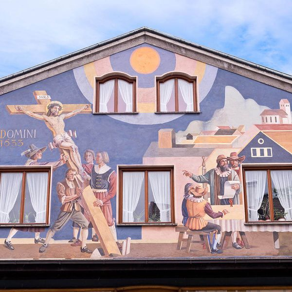 mural paintings on houses for oberammergau