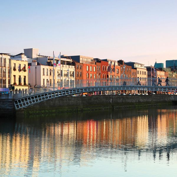 ha penny bridge in dublin ireland