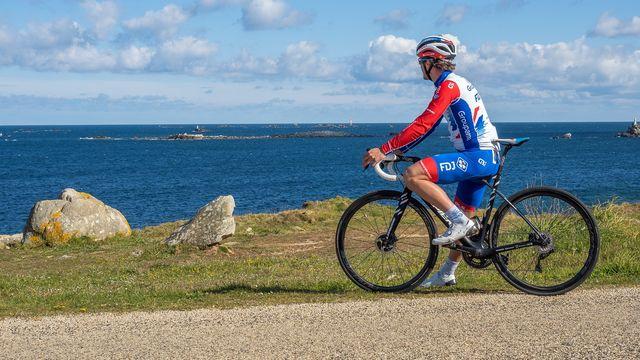 Valentin Madouas on his Lapierre Xelius bike in Brest