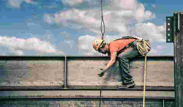 construction-steel-worker-01