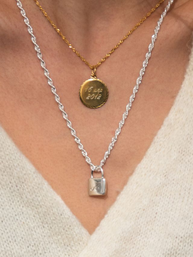 engraving necklaces