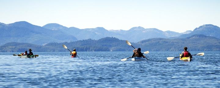 Kajakfahrer auf einem See