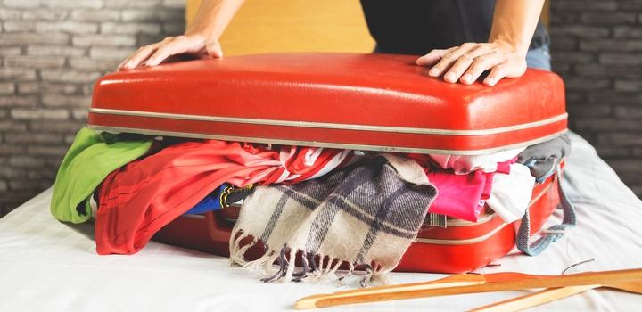 Überfüllter Koffer schließt nicht