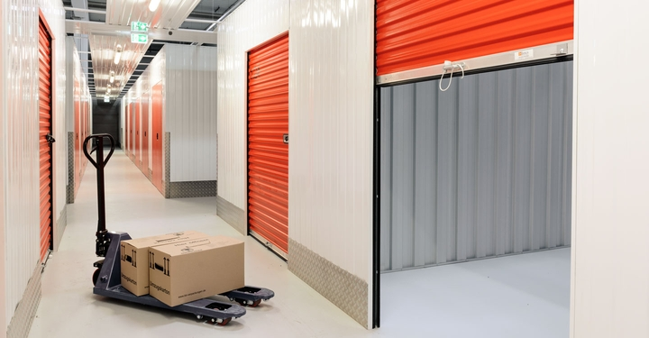 Transporthilfe für gewerblichen Lagerraum