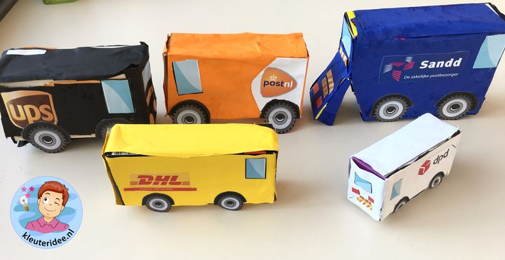 auto'van pakketdiensten maken met kleuters, thema post en pakket, kleuteridee