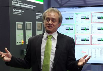 Plastics expert Wolfgang Windhager explains KePlast EasyNet MES for all plastics machines
