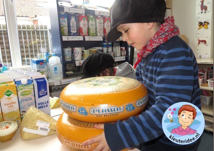 Boerderijwinkel kleuteridee, thema de koe, kindergarten farmshop roleplay