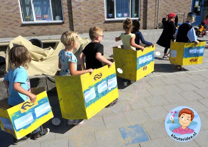 Rollenspel trein met kleuters, kleuteridee.nl, kijk voor beschrijvingen op de website