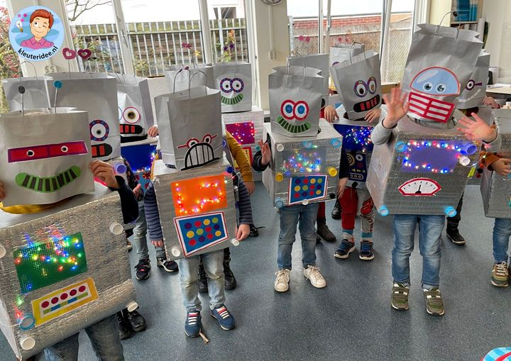 Robotpak, verkleden als robot, kleuteridee 2