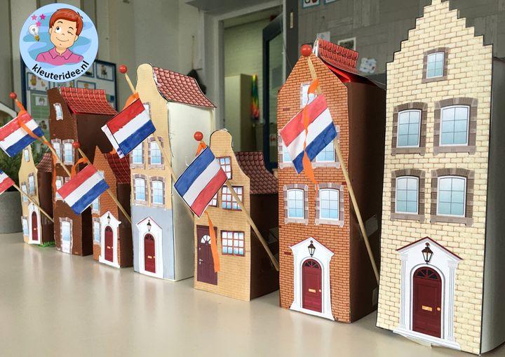 Grachtenhuizen met vlag knutselen, thema Bevrijdingsdag voor kleuters, kleuteridee