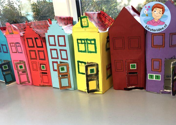 Huizen met brievenbus en huisnummers, thema post en pakket, kleuteridee