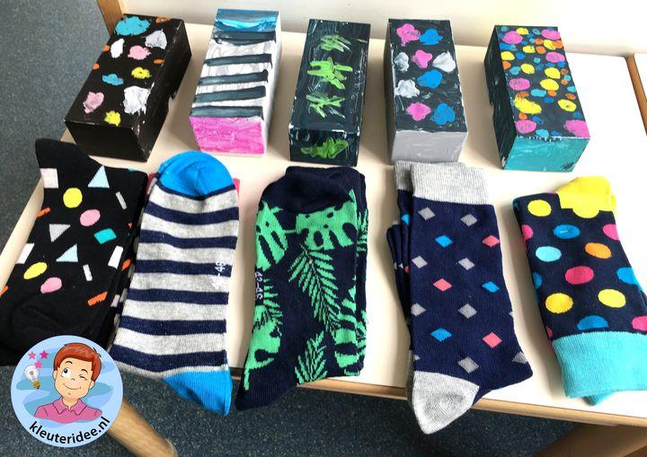 doos voor sokken verven, kleuteridee, vaderdag voor kleuters