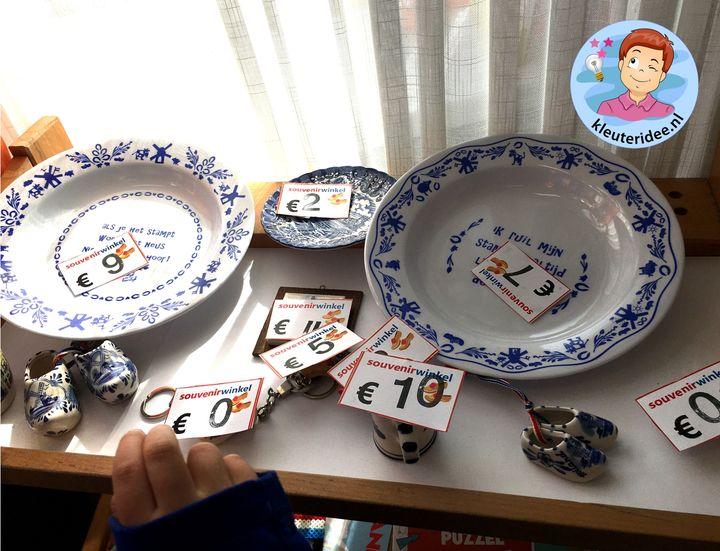 souvenirwinkel rollenspel temahoek Nederland, kleuteridee, thema Nederland met kleuters
