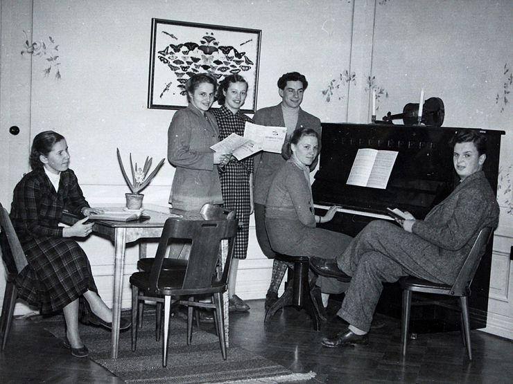 Liljeholmen 50-tal piano i herrgården