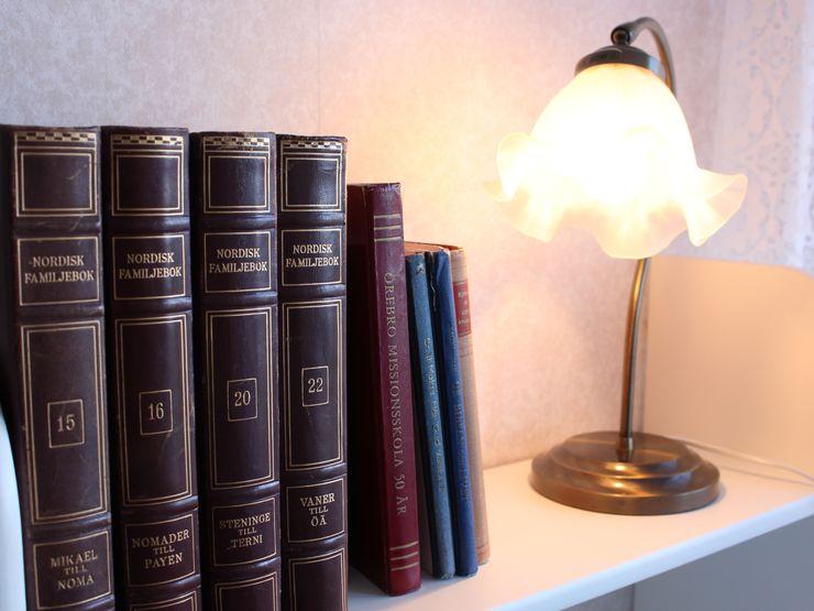 Böcker bokhylla Liljeholmen Herrgård