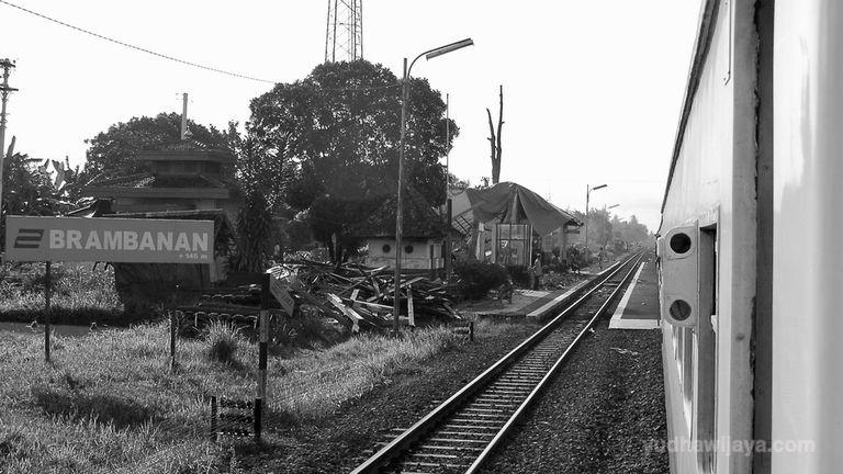 Stasiun Brambanan Setelah Gempa 2006