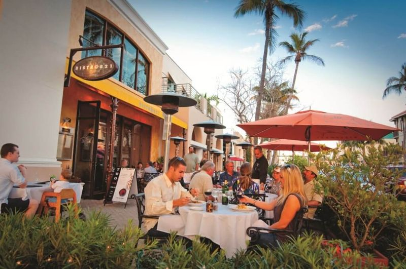 Eating out on 5th Avenue South in Naples, Florida
