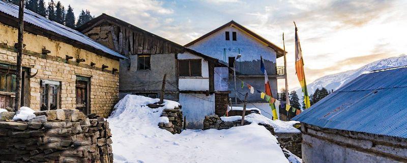 Manali village in winter.