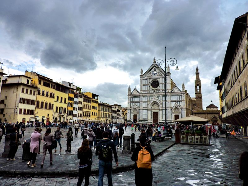 The piazza by the Santa Croce catherdral