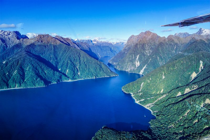 A scenic flight to Milford Sound