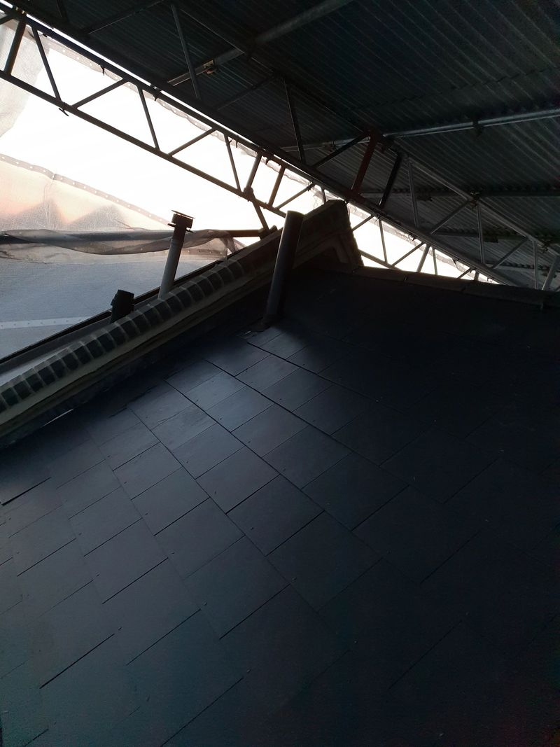 Re roofing with a temporary roof covering helps with efficient installation times