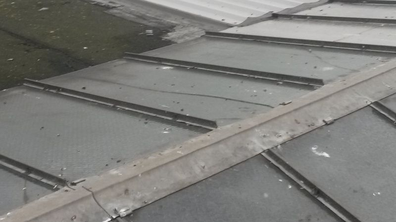 Bad roof condition glass on Industrial unit